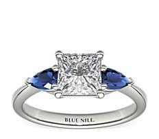 Sertissure de bague de fiançailles saphir bleu taille poire classique en platine