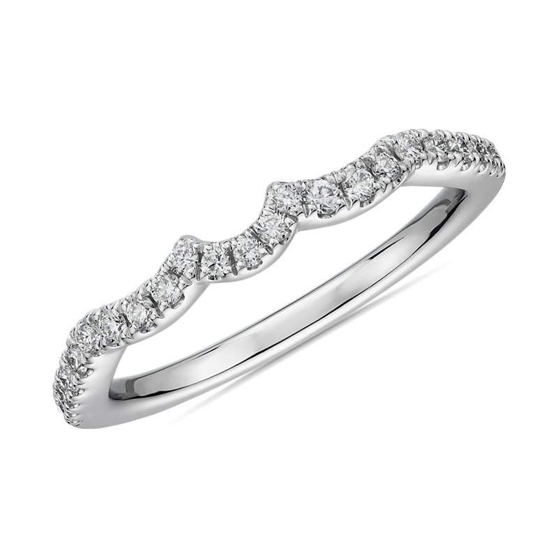 Scallop Curved Diamond Wedding Ring in Platinum (1/5 ct. tw.)