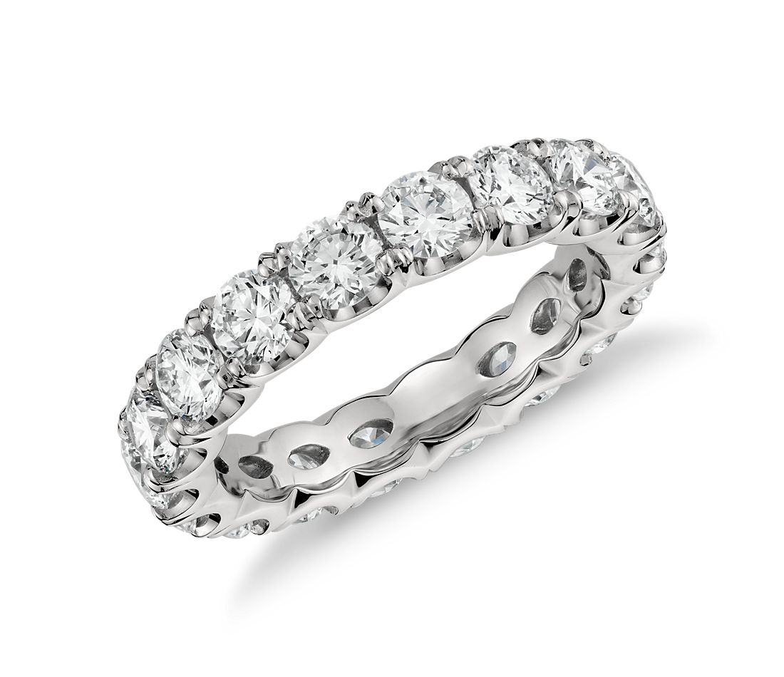 Blue Nile Studio Scalloped Claw Diamond Eternity Ring in Platinum (3 ct. tw.)