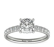 Bague de fiançailles festonnée en diamants sertis pavé en platine (3/8carats, poids total)