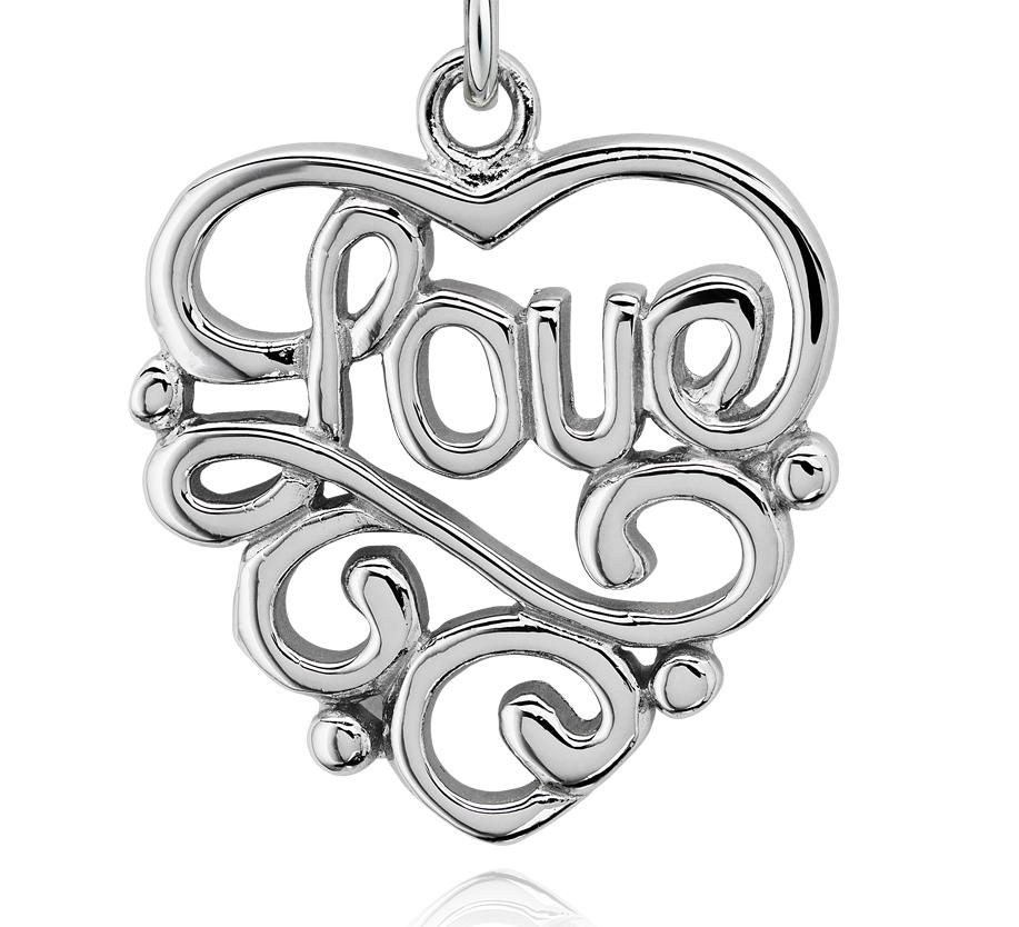 Colgante Love con forma de corazón en plata de ley