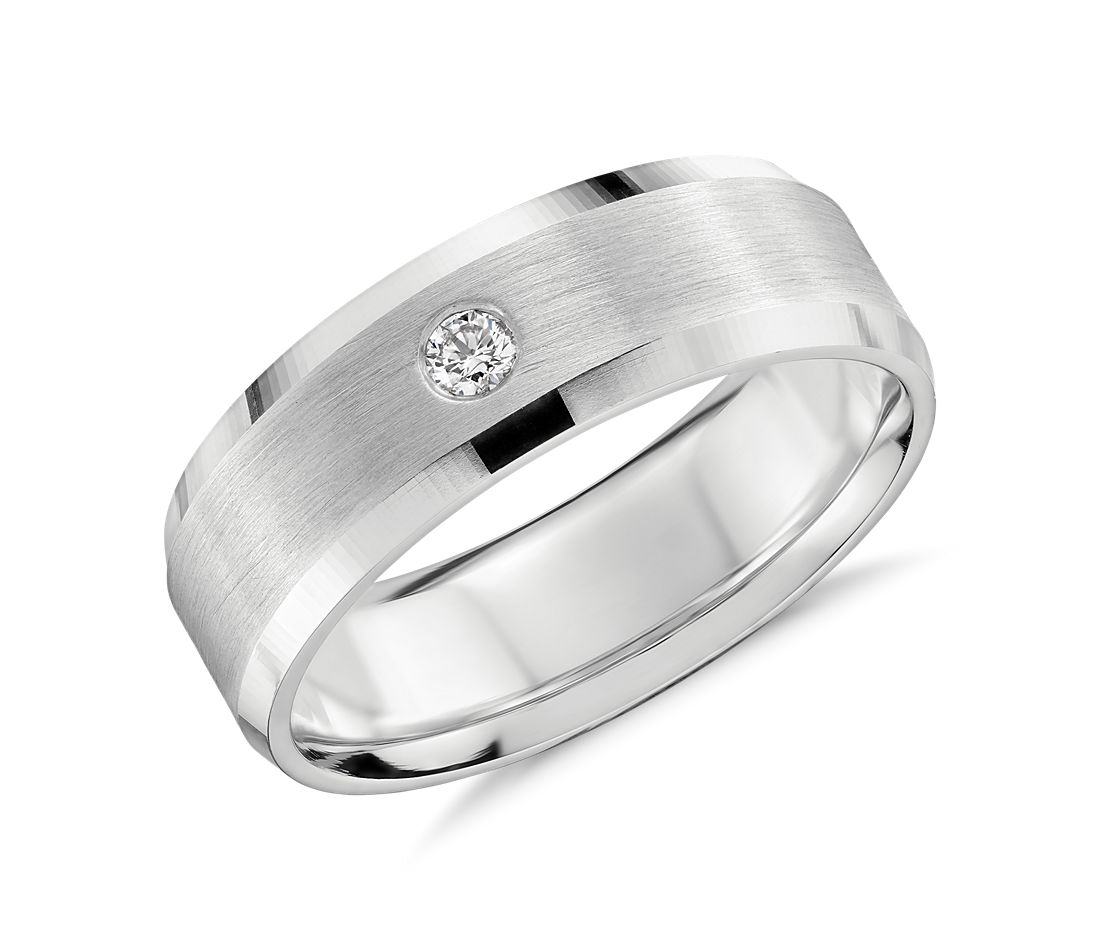 Single Diamond Wedding Ring In Platinum 7mm
