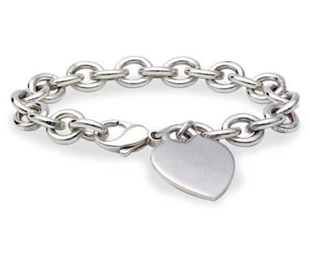 Brazalete con colgante de corazón en plata de ley