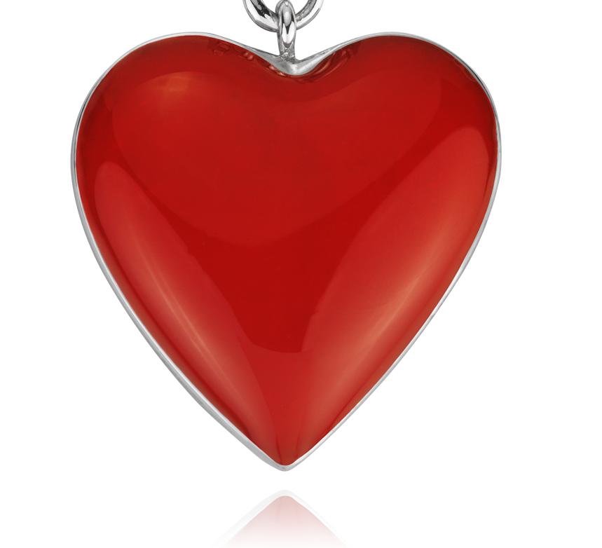 Dije con forma de corazón rojo en plata de ley