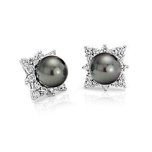 Aretes de diamante y perla cultivada de Tahití en oro blanco de 18 k  (10.5-10.6mm)