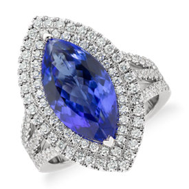 Bague de cocktail avec halo de diamants et tanzanite taille marquise en or blanc 18 carats (5,31 ct au centre)
