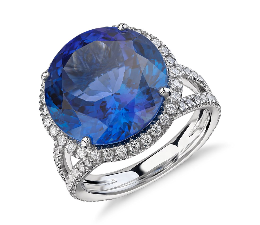 Bague torsadée cercle fendu halo de diamant et tanzanite en or blanc 18 carats (10,88 ct au centre)<br>(14,2 mm)