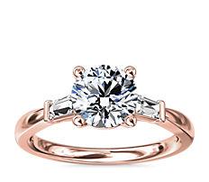 18k 玫瑰金尖顶长方形钻石订婚戒指<br>(1/6 克拉总重量)