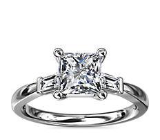14k 白金尖頂長方形鑽石訂婚戒指(1/6 克拉總重量)