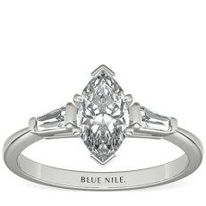 铂金尖顶长方形钻石订婚戒指