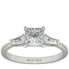 尖頂長方形鑽石鉑金訂婚戒指