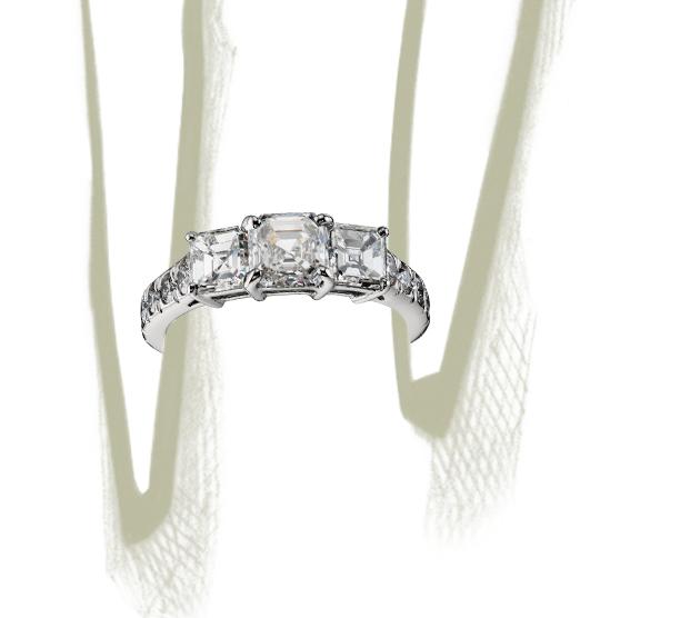Bague diamant taille Asscher à trois pierres en platine (2carats, poids total)