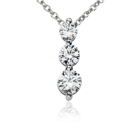 Pendentif diamant goutte à trois pierres  en or blanc 14carats (1/2carat, poids total)