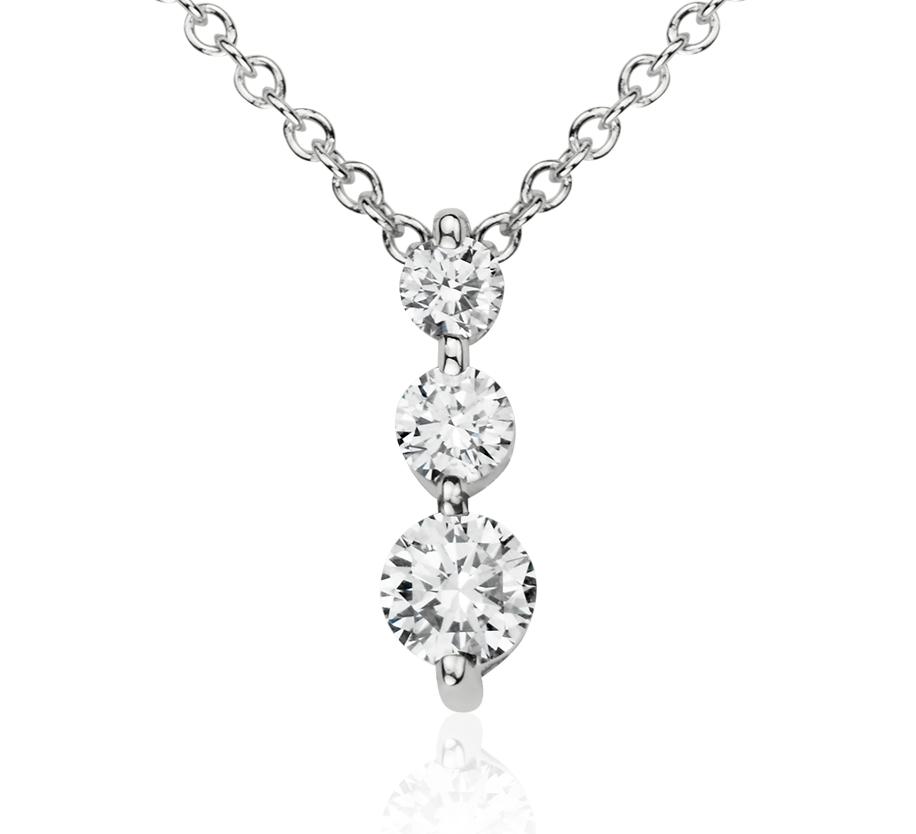 Pendentif diamant goutte à trois pierres  en or blanc 14carats (1/3carat, poids total)