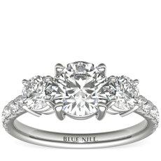 铂金三石密钉钻石订婚戒指(1/4 克拉总重量)