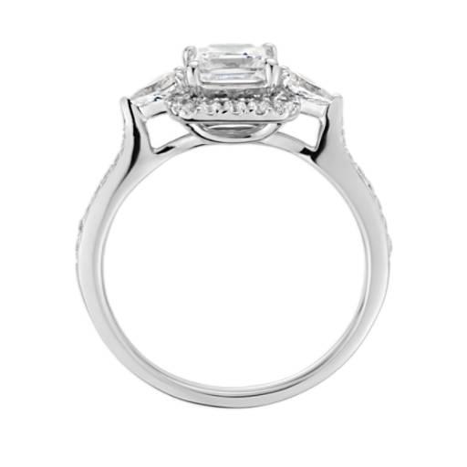 Anillo de compromiso con halo de diamantes de talla princesa ZAC de Zac Posen