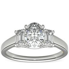 Bague de fiançailles en diamants taille émeraude trois pierres ZAC Zac Posen en platine (0,36ct, poids total)