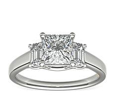 鉑金ZAC Zac Posen 三石綠寶石形切割鑽石訂婚戒指(1/3 克拉總重量)