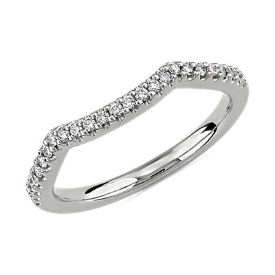 Twisted Double Chevron Wedding Ring in 14k White Gold (1/6 ct. tw.)