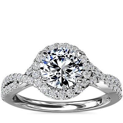 铂金扭纹光环钻石订婚戒指<br>(1/3 克拉总重量)