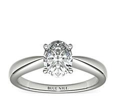18k 白金經典尖頂長方形單石訂婚戒指