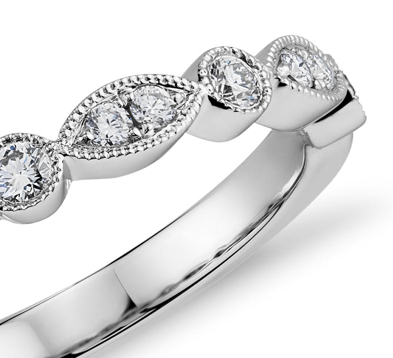 Bague de fiançailles diamant marquise millegrain et pois en or blanc 14carats (1/5carat, poids total)
