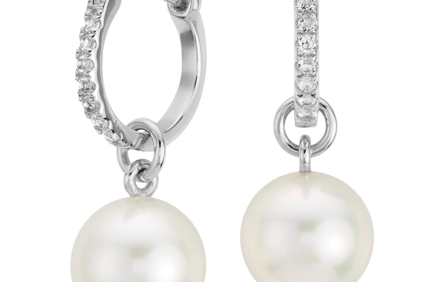 Aretes colgantes con topacio blanco y perlas cultivadas de agua dulce en plata de ley (9mm)