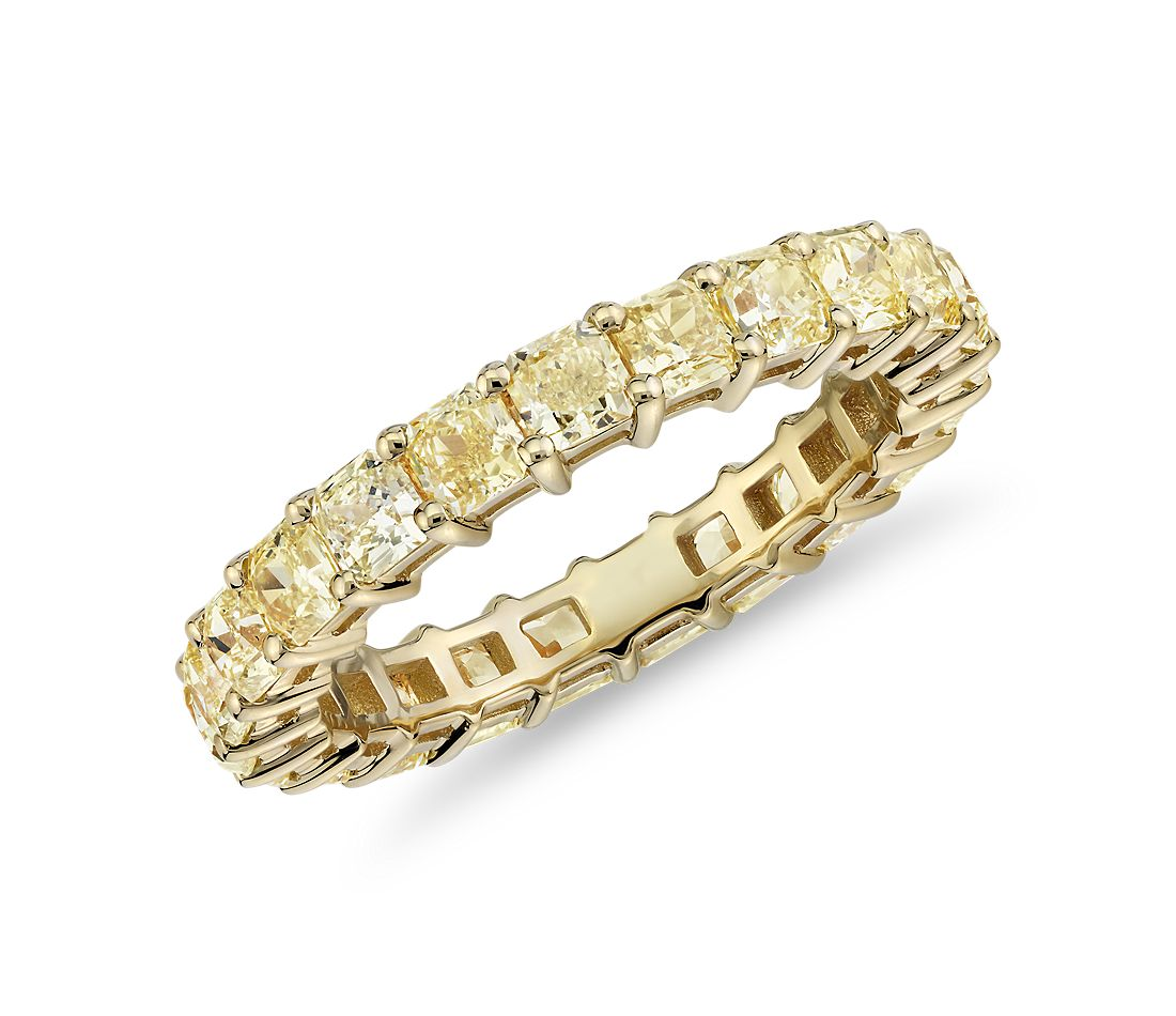 Radiant-Cut Yellow Diamond Eternity Ring in 18k Yellow Gold (2 1/2 ct. tw.)