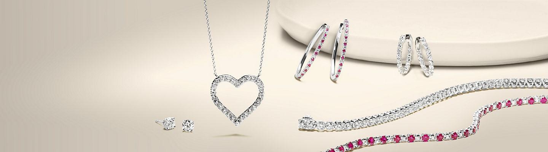 Un éventail de bijoux en diamants et pierres gemmes