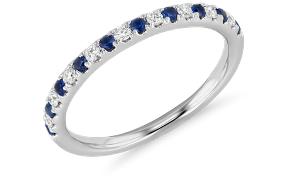 蓝宝石结婚戒指