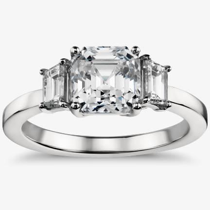 三石订婚戒指