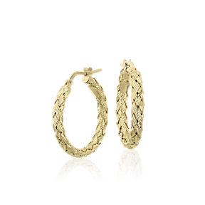 辮狀黃金圈形耳環。