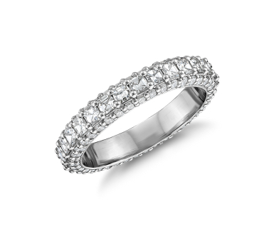 Bella Vaughan diamond wedding ring.
