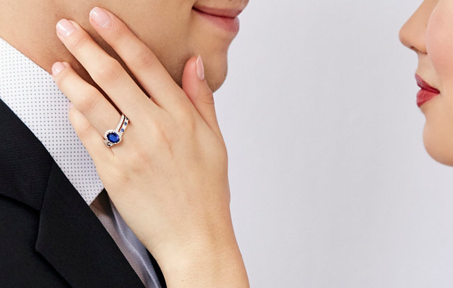 The Hard Truth About Alternative Engagement Rings | Blue Nile