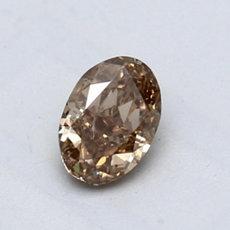 0.71 克拉棕黄椭圆形切割钻石