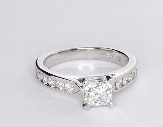 Bague de fiançailles diamant serti barrette 1 carat