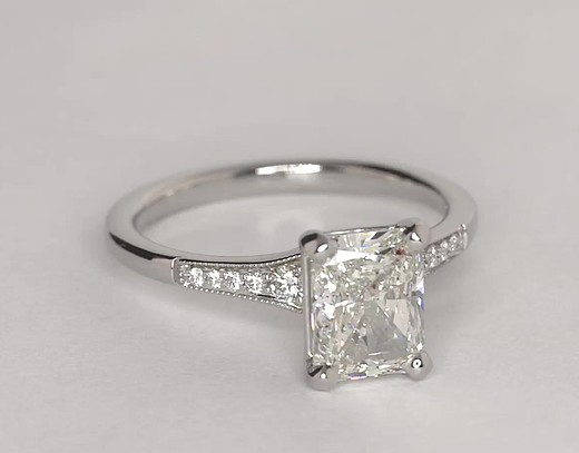 Graduated Milgrain Diamond Engagement Ring in Platinum (1/10 ct. tw.)