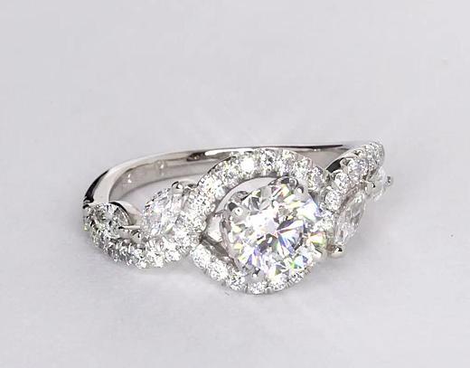 Anillos de compromiso de diamante floral de Monique Lhuillier de 0.95 quilates