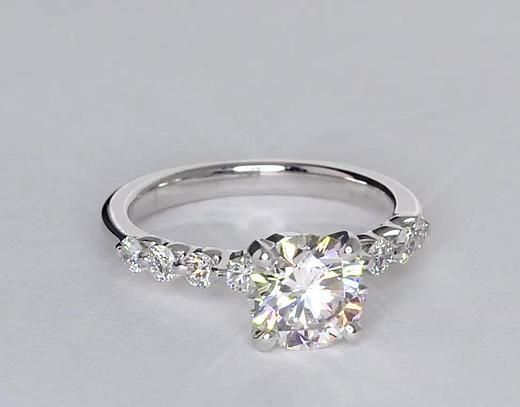 Anillo de compromiso estilo diamante montado al aire de 1.24 quilates