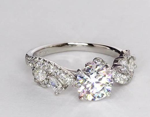 1,36 carat Bague de fiançailles diamant torsadé floral Monique Lhuillier
