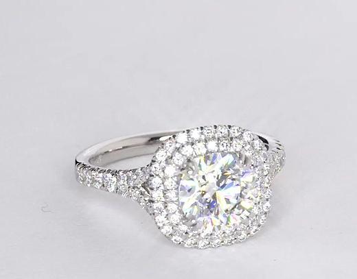 1,5 carat Bague de fiançailles halo de diamants ovale