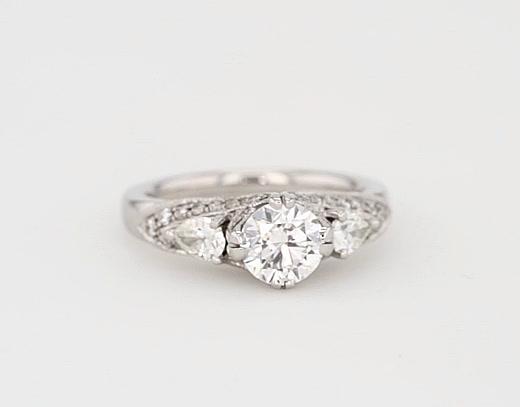 近期客户购买此款戒指的视图