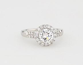 铂金 Monique Lhuillier 摩登密钉光环订婚戒指<br>(1/3 克拉总重量)