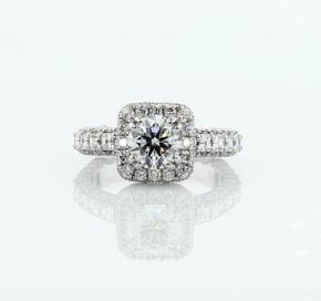 铂金 Blue Nile 的 Bella Vaughan 华丽垫形光环钻石订婚戒指<br>(2 克拉总重量)
