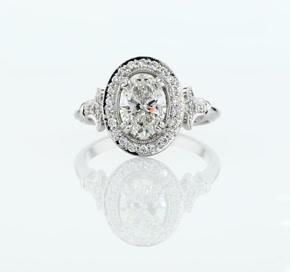 Blue Nile Studio Oval Vintage Fleur de Lis Halo Engagement Ring in Platinum (1/6 ct. tw.)