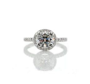 Bague de fiançailles halo de diamants héritière Blue Nile Studio en platine