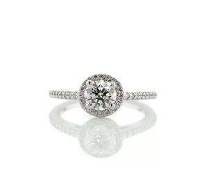 铂金经典光环钻石订婚戒指<br>(1/4 克拉总重量)