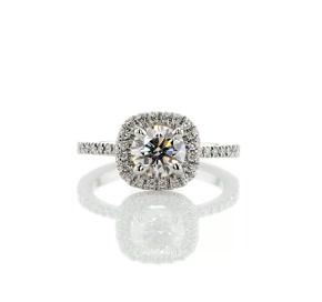 铂金歌咏光环钻石订婚戒指(1/5 克拉总重量)
