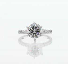 鉑金法式密釘鑽石訂婚戒指(1/4 克拉總重量)
