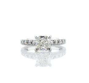 14k 白金大教堂密釘鑽石訂婚戒指(1/2 克拉總重量)